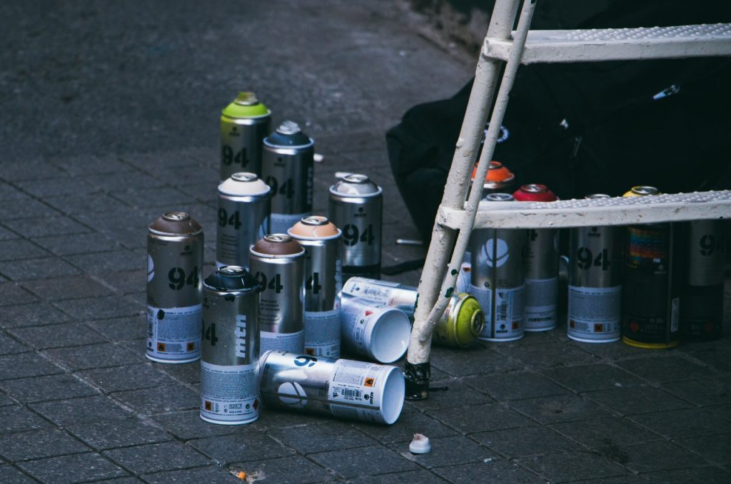 Bombe de peinture escabot blanc