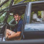 Comment choisir et mettre une housse pour votre voiture ?